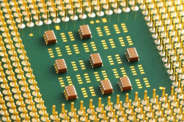Contatos de close-up no chip sob cpu Foto Premium