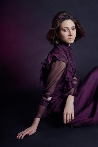 Contraste, moda, armênio, retrato mulher, em, vestido Foto Premium