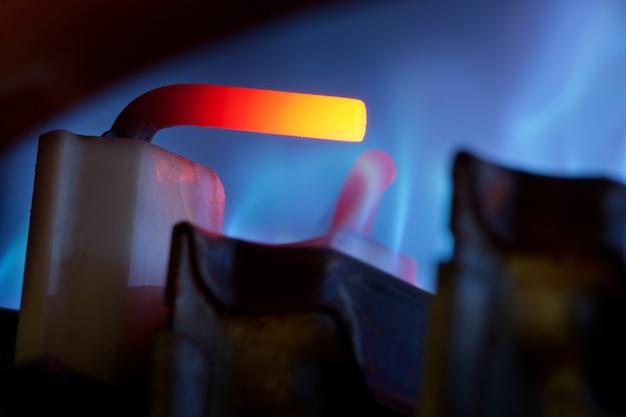 Controle de gás e chamas azuis Foto Premium