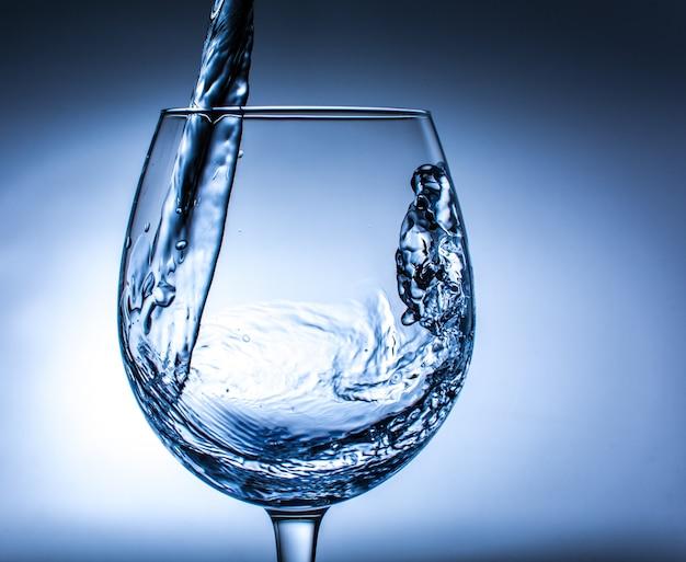 Copa de agua Foto gratuita