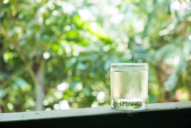 Copo de água Foto gratuita