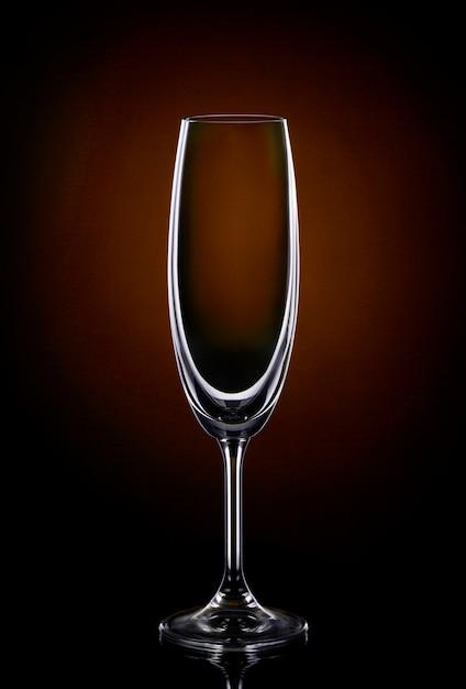 Copo de vinho vazio Foto gratuita