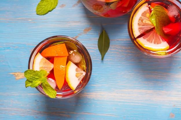 Coquetéis refrescantes de verão Foto Premium