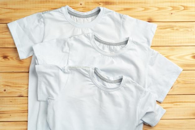 Cor branca t-shirt com espaço de cópia para seu projeto. conceito de moda Foto Premium