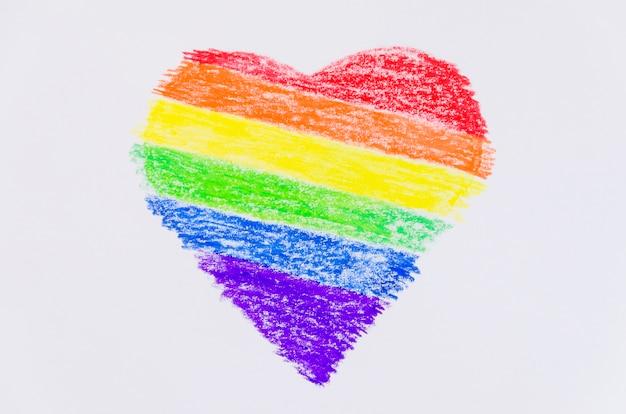Coração com as cores da bandeira do orgulho Foto gratuita