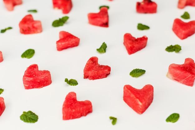 Coração de melancia isolado Foto Premium