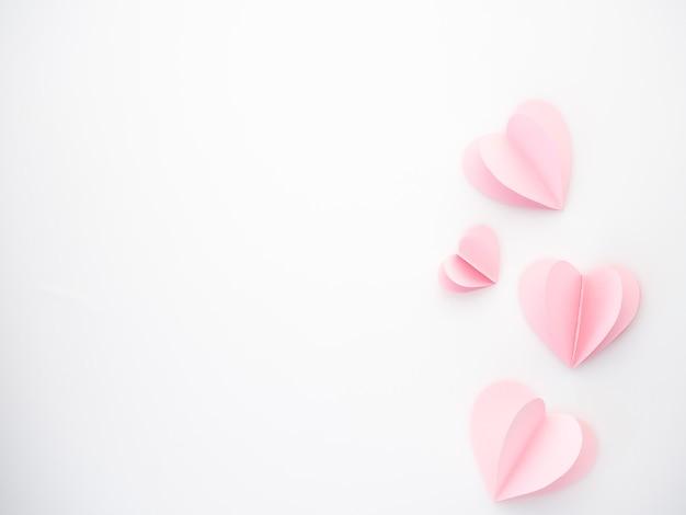 Corações de papel rosa amor criativo Foto Premium