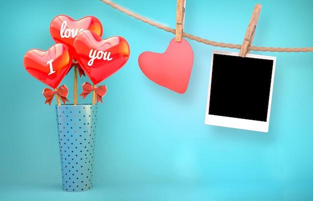 Corações na mesa e roupas para fotografar Foto Premium