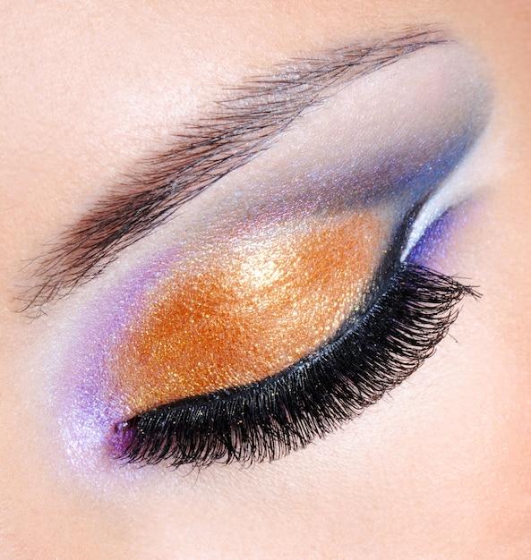 Cores vivas de uma maquiagem fashion - macro Foto gratuita
