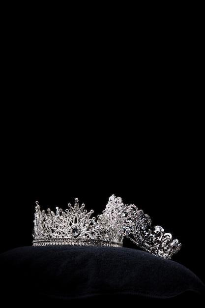 Coroa de prata de diamante para concurso de beleza miss conceant Foto Premium