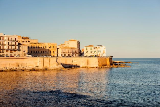 Costa de ortigia, siracusa Foto Premium