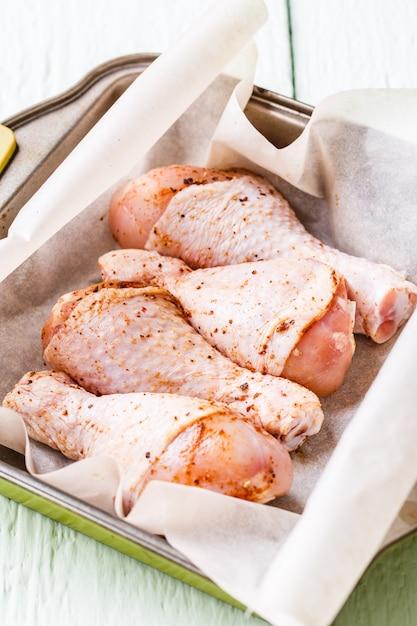 Coxinhas de frango fresco no prato Foto Premium