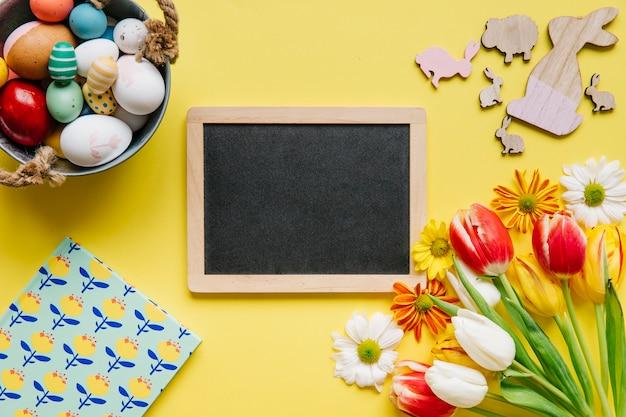 Crafty composição de quadro e ovos de páscoa Foto gratuita