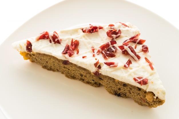 Cranberries torta ou bolo na placa branca Foto gratuita
