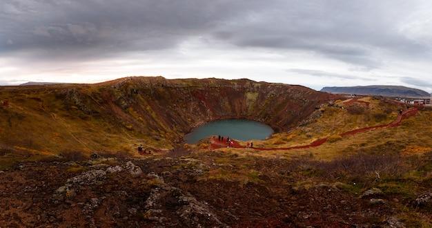 Cratera de kerið no sul da islândia. Foto Premium
