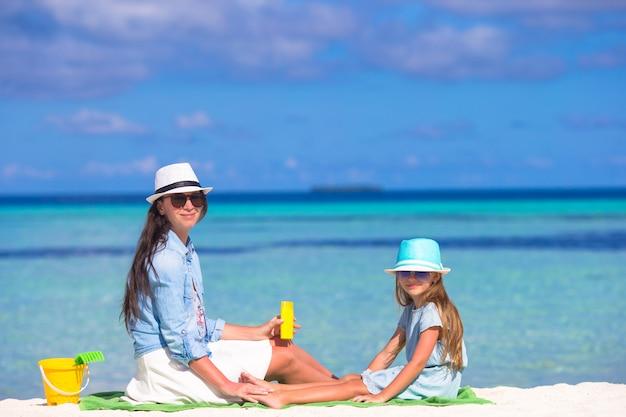 Creme protetor solar para crianças Foto Premium