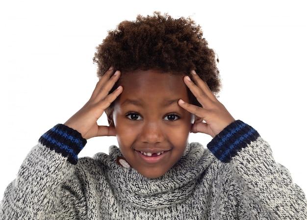 Criança africana, cobertura, seu, cabeça Foto Premium
