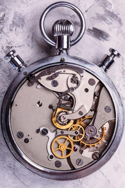 Cronômetro com uma tampa aberta. mecanismo Foto Premium