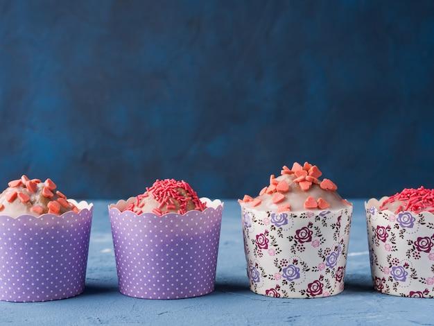 Cup cakes para o dia dos namorados Foto Premium