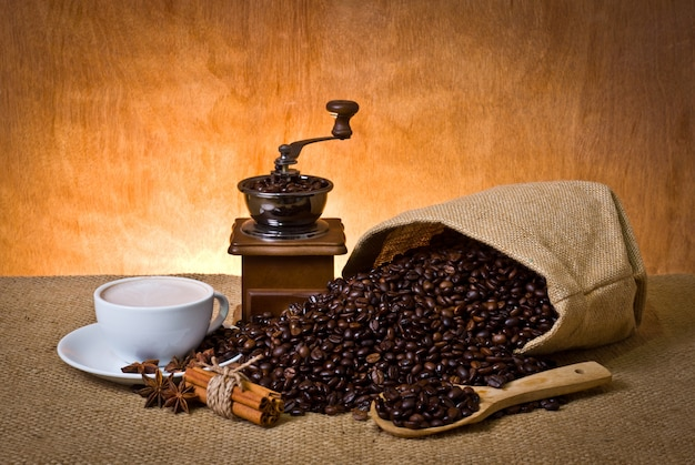 Cup saco latte do café perfumado Foto gratuita
