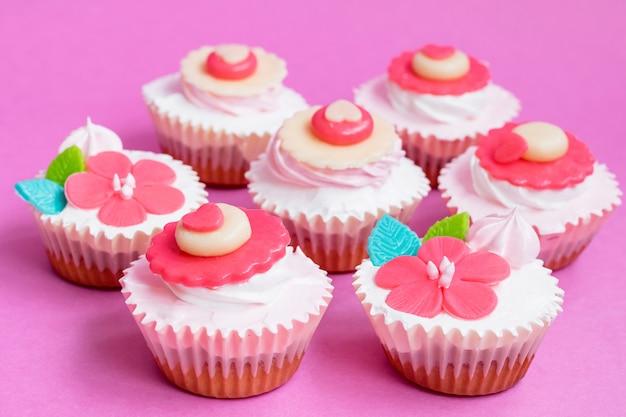 Cupcake para dia dos namorados. Foto Premium