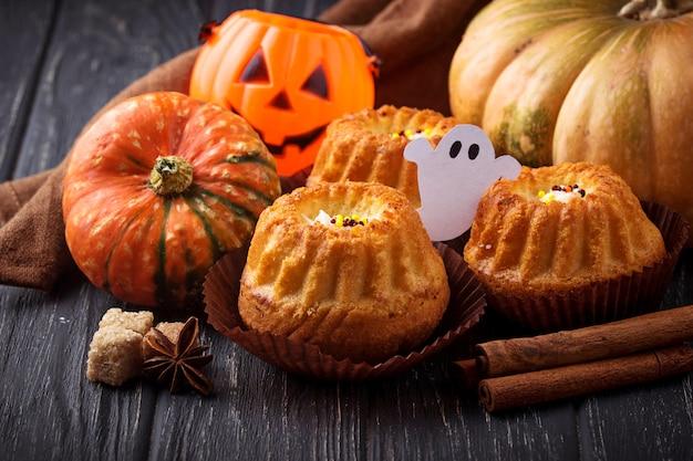 Cupcakes de abóbora de halloween Foto Premium