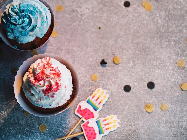 Cupcakes e canapés Foto gratuita