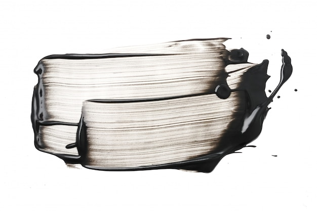 Curso de máscara facial de argila ou carvão sobre fundo branco Foto Premium