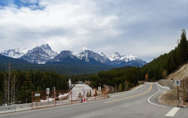 Curva morant, e, curve-se rio, em, parque nacional banff, alberta, canadá Foto Premium
