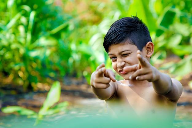 Cute, indianas, criança Foto Premium