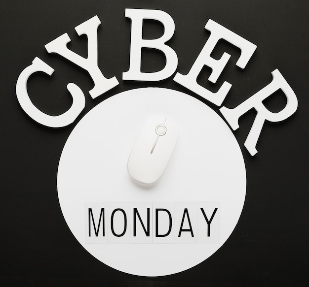 Cyber segunda-feira mensagem com o mouse Foto gratuita