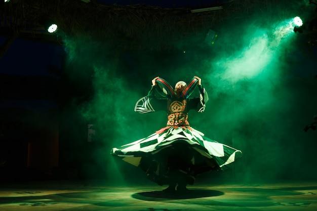Dançarinos sufi Foto Premium