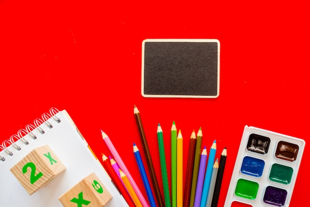 De volta à escola colorfull blackboard Foto Premium
