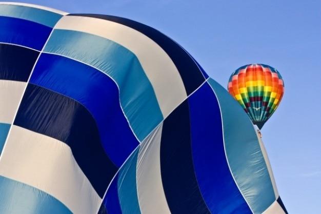 Decolagem do balão de ar quente Foto gratuita