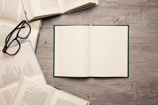 Decoração de livros Foto gratuita