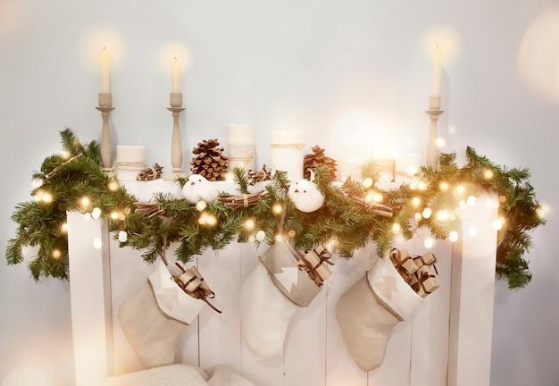 Decoração de natal com lareira Foto Premium