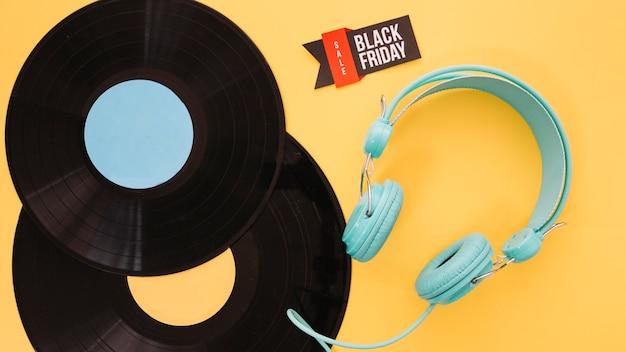 Decoração de vinil e fone de ouvido para sexta-feira preta Foto gratuita