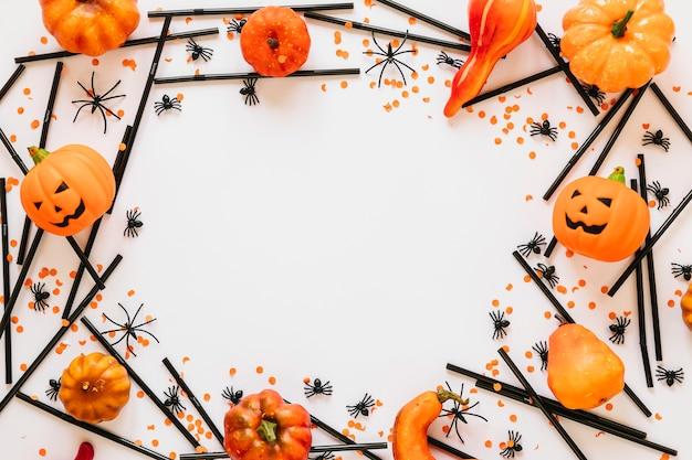 Decorações de halloween colocadas em círculo Foto gratuita
