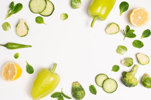 Delicioso quadro vegetal com espaço de cópia Foto gratuita