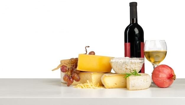 Delicioso queijo na mesa Foto Premium