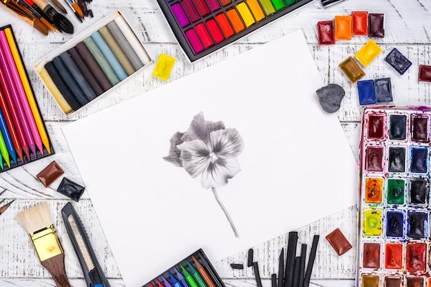 Desenho a lápis de uma maçã Foto Premium