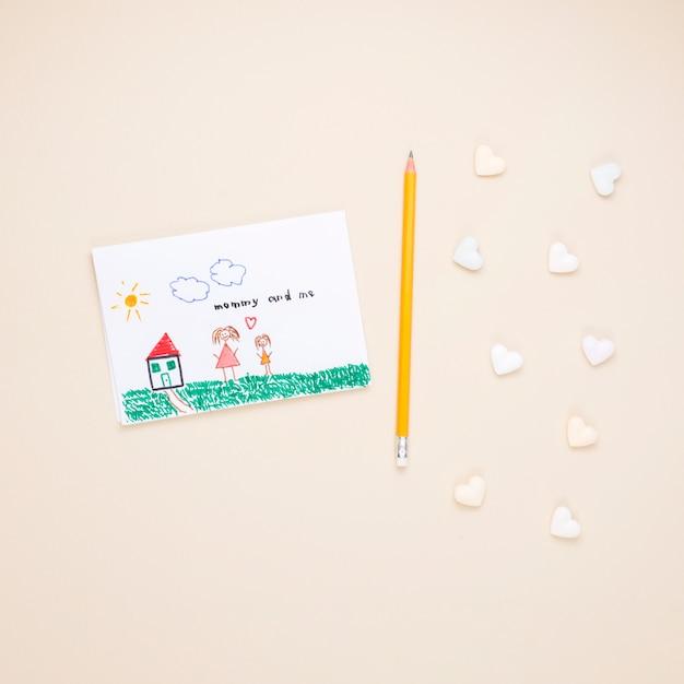 Desenho, de, mãe criança, com, lápis Foto gratuita