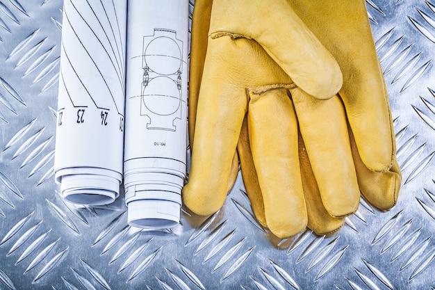 Desenhos de engenharia luvas de segurança de couro no conceito de construção de chapa metálica canelada Foto Premium