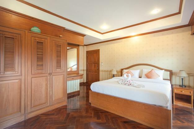 Design de interiores no quarto com espaço luminoso Foto Premium
