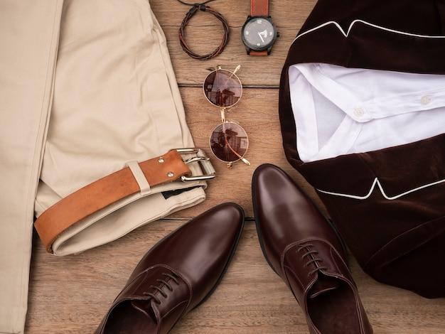 Design de moda criativa para homens conjunto de roupas casuais e acessórios Foto Premium
