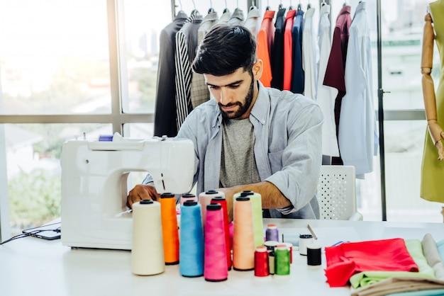 Design de vestuário criativo alfaiataria conceito de serviço Foto Premium