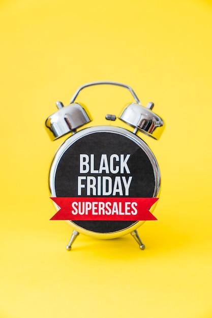 Despertador de vendas sexta-feira preta Foto gratuita