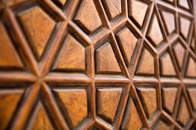 Detalhe do ornamento de escultura em madeira tradicional da mesquita suleymaniye em istambul, turquia Foto Premium