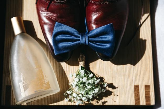 Detalhes elegantes de uma imagem masculina Foto gratuita