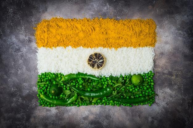 Dia da independência da índia 15 de agosto conceito: bandeira nacional indiana Foto Premium